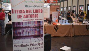 La I Feria del Libro de Autores Independientes de Alicante y Provincia en marcha